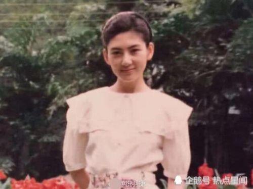 程晓玥妈妈郭敬红因病去世,作家好友祝羽捷晒年轻旧照悼念