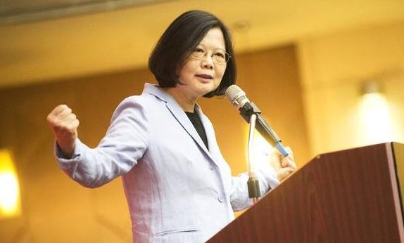 台湾妈妈忧心孩子上战场 蔡英文的回答被骂翻