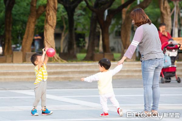 """台湾人口数跌破2359万 连续3个月""""负成长"""""""