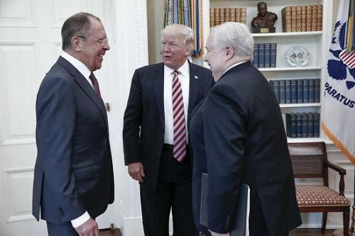 外媒:特朗普向俄外长曝机密信息 危及盟国情报来源