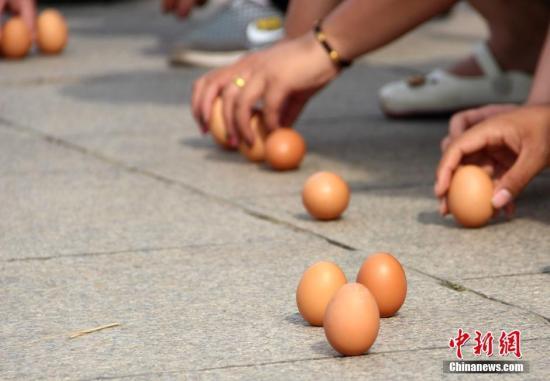 英扔掉7.2亿鸡蛋新闻介绍 如何分辨鸡蛋好坏