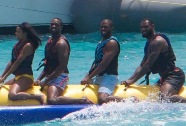 香蕉船兄弟齐聚什么梗出自哪里? 香蕉船兄弟是指谁?