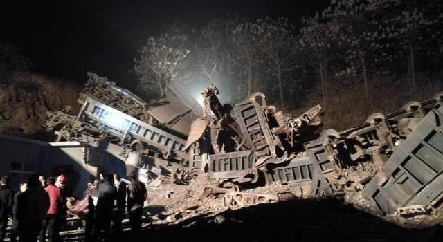中铝公司火车脱轨最新消息,中铝公司火车脱轨原因揭秘伤亡情况