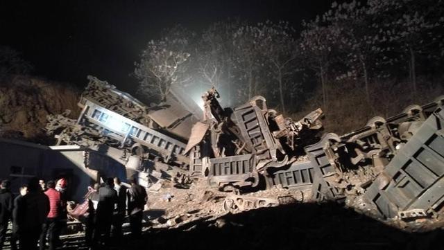 中鋁公司火車脫軌最新消息,中鋁公司火車脫軌原因揭秘傷亡情況