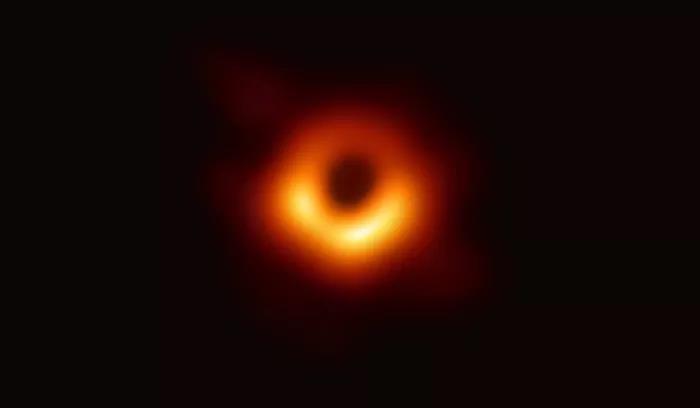 黑洞照片怎么拍的 黑洞照片具体拍摄手法 事件视界望远镜是什么