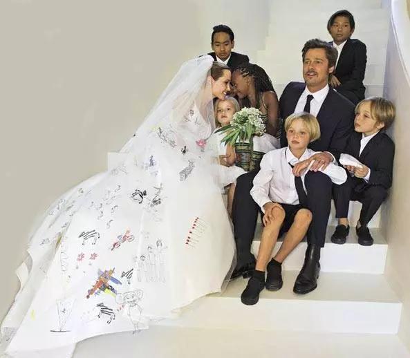 朱莉皮特官宣正式离婚,6名子女抚养权归属待定,3年离婚战终落