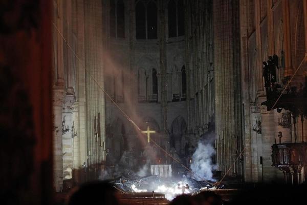 你相信巴黎圣母院有一天会消失吗这是什么梗 巴黎圣母院突发大火