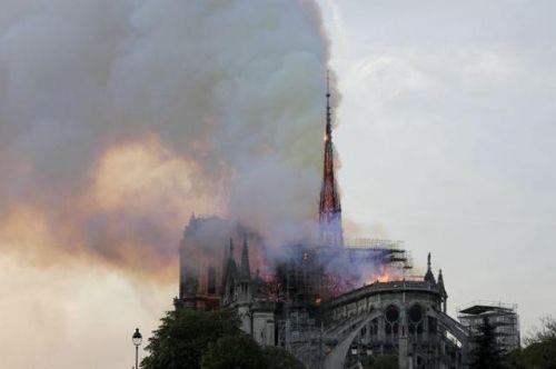 圣母院将不开放是真的吗?巴黎圣母院火灾后将如何重建?