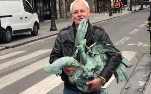 巴黎圣母院塔尖公鸡找到了怎么回事?巴黎圣母院塔尖公鸡长什么样