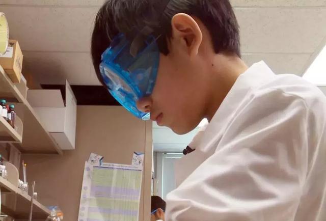 11岁天才华裔少年轰动全美 11岁天才华裔少年碾压一票大学生