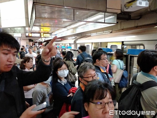 台北捷运因地震全线列车停驶检查 预计花费2小时