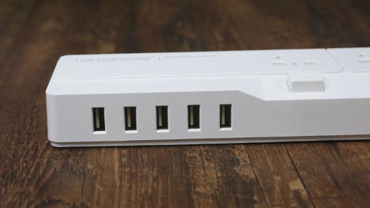 带USB的插线板存隐患!只为省事的你还敢用吗?