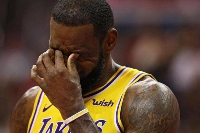 还是头牌!NBA收视率暴跌26% 竟因季后赛没有詹姆斯?