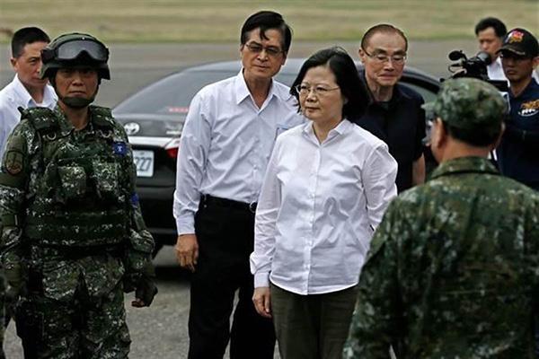 """韩国瑜没说""""台军是太监"""" 蔡英文被轰带头散布假新闻"""