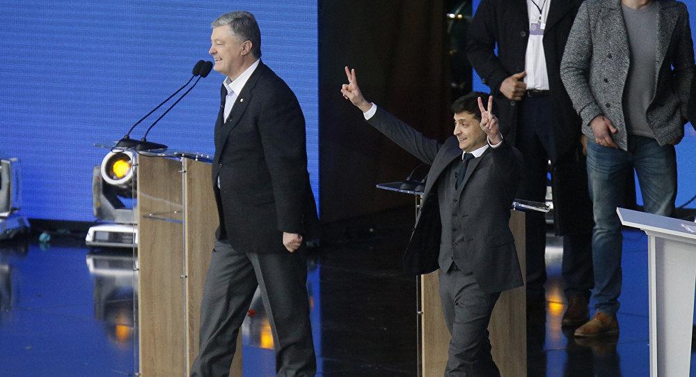 乌克兰现任总统?#33125;下?#36133; 恭喜演员泽连斯基胜选