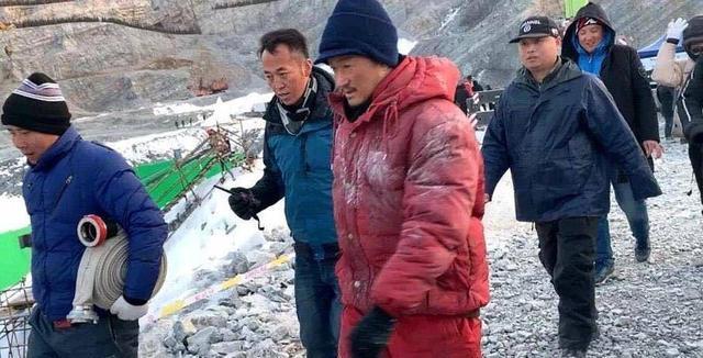 吴京主演的《攀登者》举行关机并定档仪式,章子怡和胡歌不会参加
