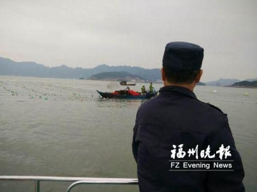 连江县马鼻镇清退非法养殖 维护海域管理秩序