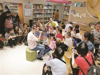 漳州:阅读低龄化的今天 宝宝应该怎么看书?