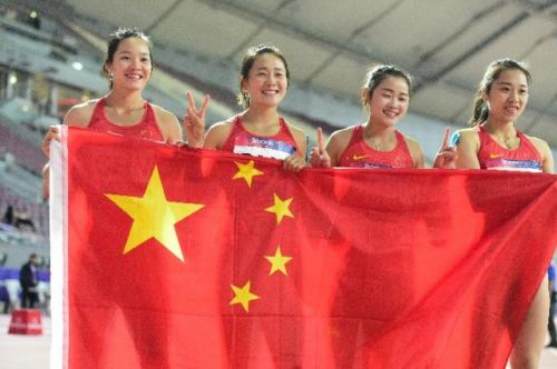 中国女子接力夺冠