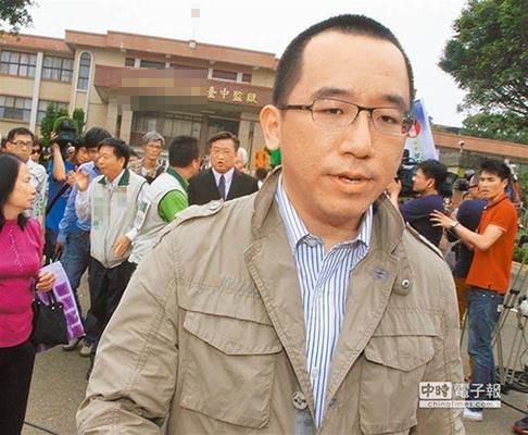 陈致中呛韩国瑜选2020先辞市长 被网友神回复惨打脸