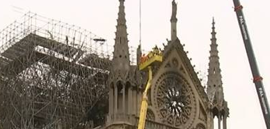 巴黎圣母院火灾与烟头有关么? 装修工人在巴黎圣母院抽烟