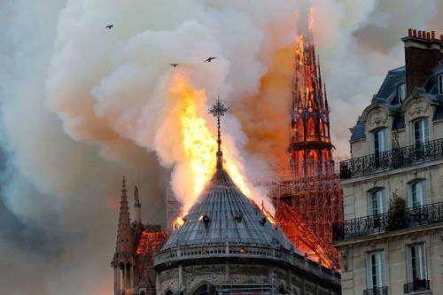 装修工人在巴黎圣母院抽烟什么情况 巴黎圣母院火灾原因是什么
