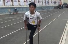 中考體育獨腿少年跳完1000米什么情況 不斷跳躍跑完1000米