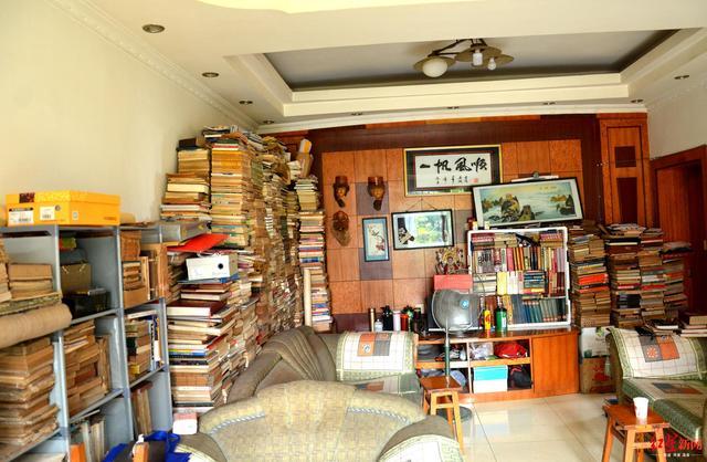 这环卫工不一般!藏书7000册,曾花五千元买下清朝木刻本