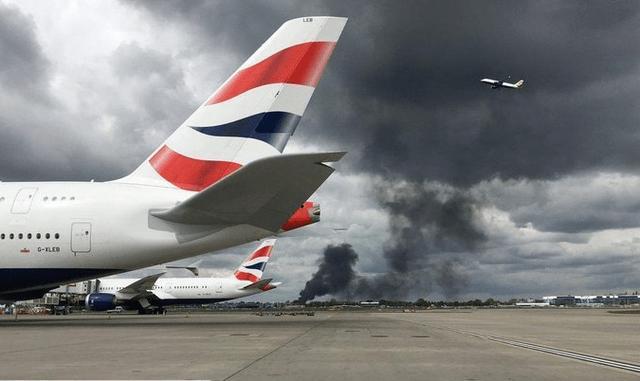 【希斯罗机场爆炸怎么回事】希斯罗机场爆炸怎么回事 伦敦希斯罗机场附近发生爆炸原因是什么