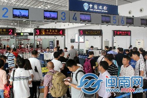 """五一期间_""""五一""""期间泉州出入境旅客流量日均预计达4000余人次"""