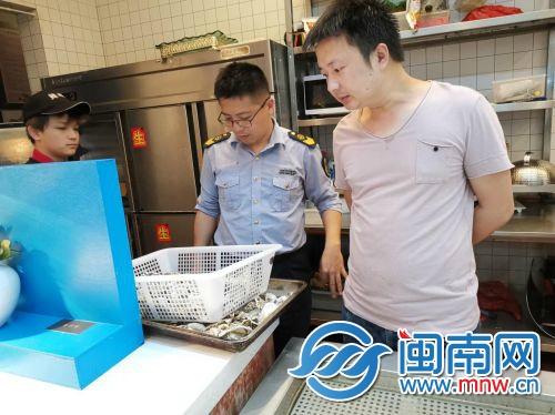 泉州:吃生蚝吃坏肚子_泉州:吃生蚝吃坏肚子 部门两月接到4起投诉