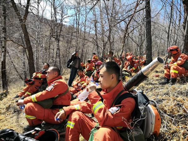 内蒙古阿尔山发生森林火灾,望扑救顺利