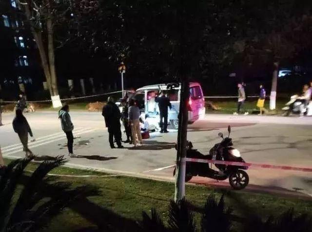 歹徒校园行凶,20岁的女大学生为同学挡了8刀:我不冲上去,她可能会死!
