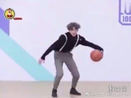 蔡徐坤打篮球是什么梗 你打篮球真像蔡徐坤是什么意思