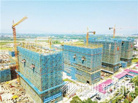 漳州一中高中部已有16棟主體樓封頂