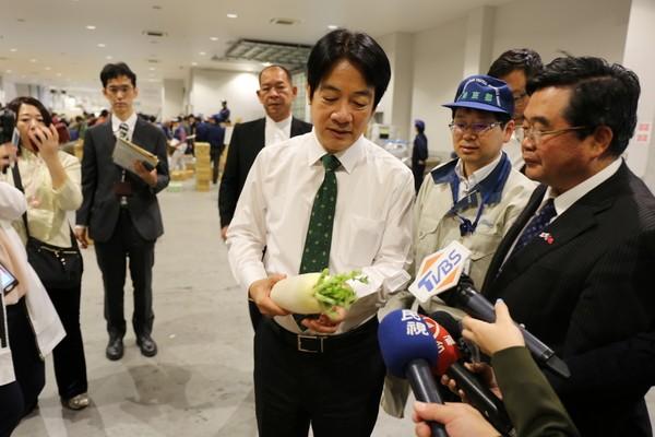 赖清德在日本开直播 否认退出初选传闻
