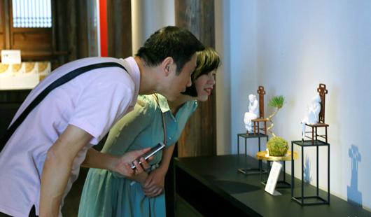 故宮館藏文物復刻展在福州市朱紫坊蘭園揭幕