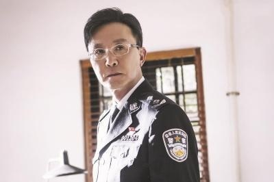 破冰行動收三百萬的警察內鬼露出破綻,馬云波嫌疑最大