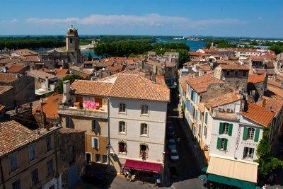 调查:法国未成年人生活水平不平等现象严重