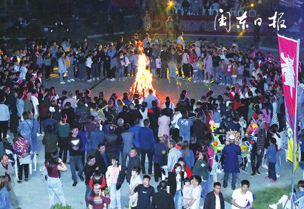 """福鼎硖门畲族""""牛歇节"""":畲乡欢歌满山飞"""
