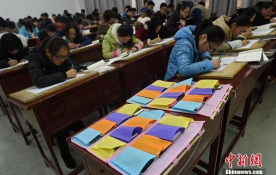 江西本科生手机禁入课堂是真的吗?江西本科生手机为什么禁入课堂?