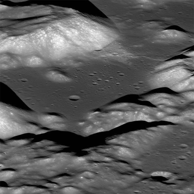 """新研究发现月球正在不断""""萎缩"""",并频频爆发""""月球地震"""""""