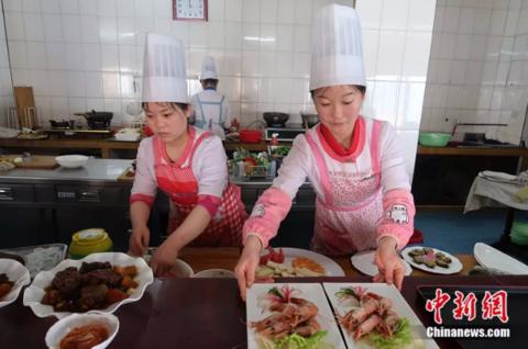 朝鲜学生标准发型怎么回事? 朝鲜学生标准发型是什么样的?