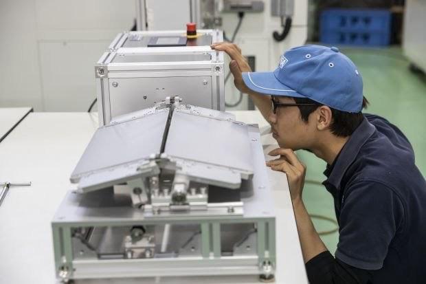 三星华为等推折叠屏手机 这家日本小厂意外发财