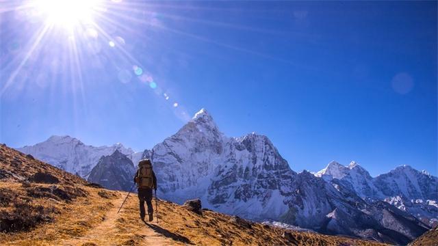 极限挑战!男子23次登顶珠峰成功 生活在珠峰周边地区是一名向导
