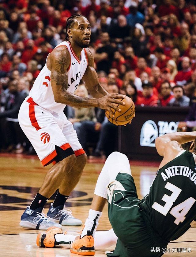 伦纳德带伤出战52分钟,砍36分9篮板,助猛龙队双加时战胜雄鹿!