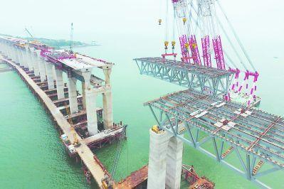 平潭海峡公铁两用大桥完成最困难建设环节 今年10月铺轨