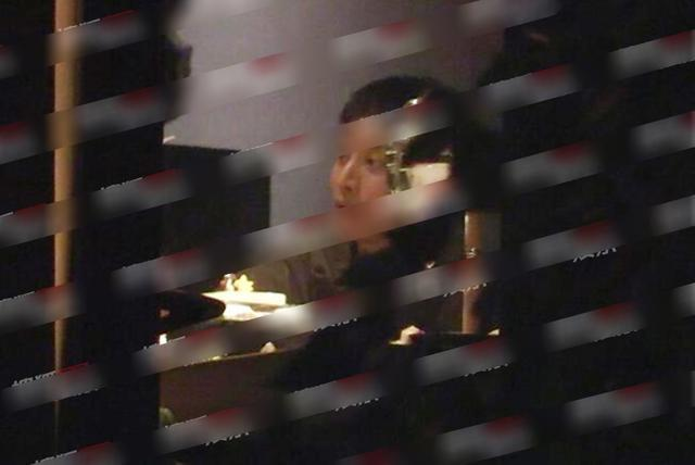 王源抽烟是真的的吗?王源为什么抽烟现场照曝光令人震惊
