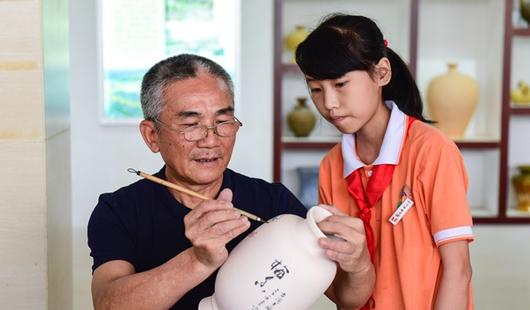 福建晋江:非遗文化进校园 感受文旅魅力