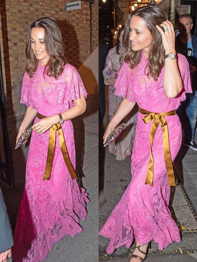凯特妹妹穿粉色蕾丝鱼尾裙出席婚宴 高贵又迷人